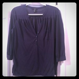 Cute, soft navy blue top with pocket detail!